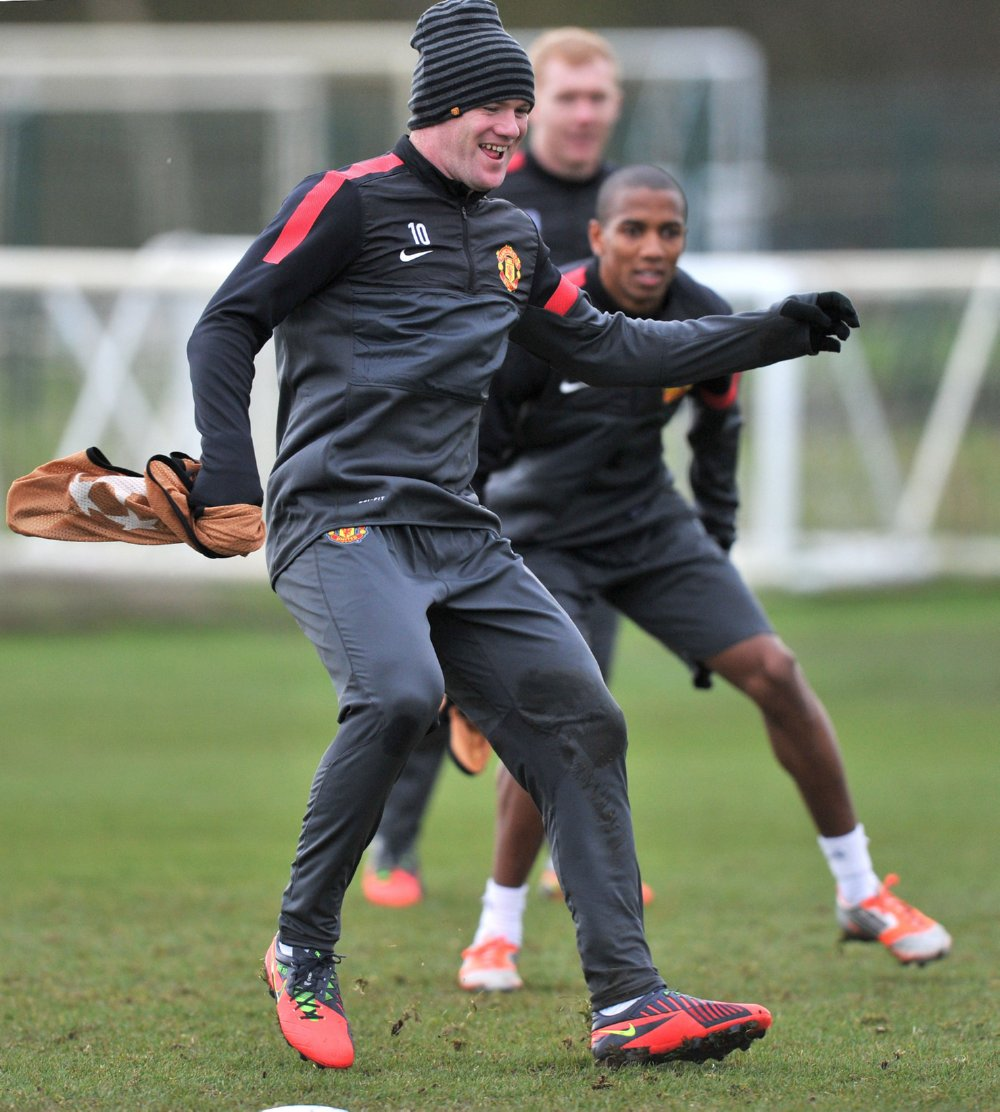 man-utd-training2-20-11.jpg