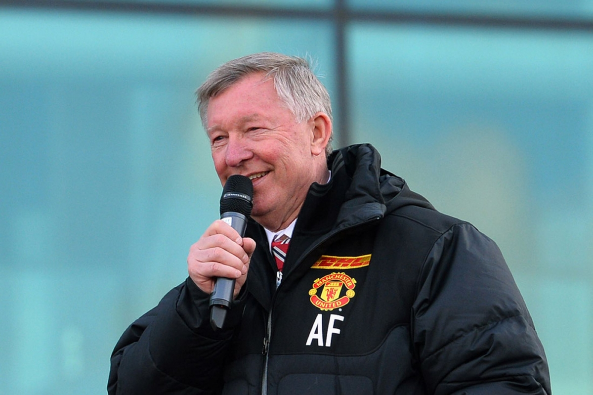 retiring-iconic-manchester-united-manager-alex-ferguson-addresses-the-crowds-1887246.jpg