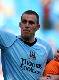 Richard Dunne photo